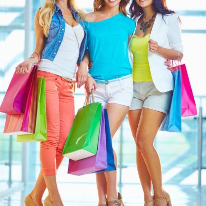 women-spending-money_1098-1536