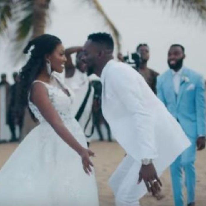 Wedding-video-of-Adekunle-Gold-and-Simi-released600x351